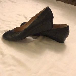Like new size 10 wedge shoes